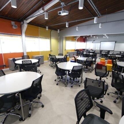 sala-de-comunicacao-no-laboratorio-de-comunicacao-e-artes