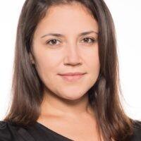 Docente Aline Roberta de Carvalho Silvestrin.