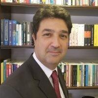 Docente Eduardo Oliveira Augustinho.