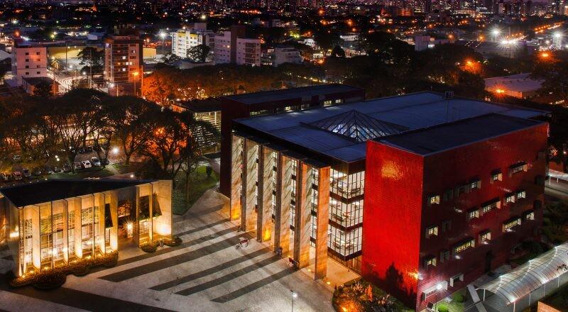 Campus Curitiba PUC Paraná Biblioteca e Capela