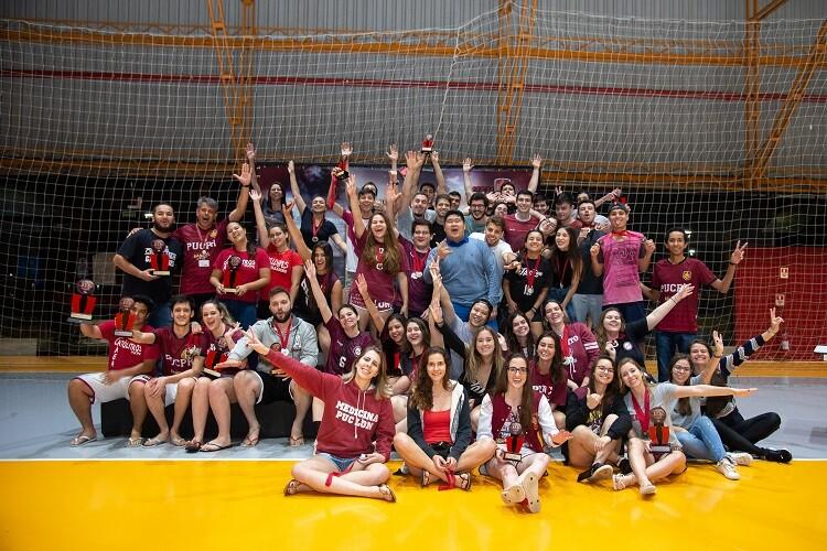 estudantes-comemoram-participacao-no-jip