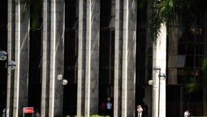 Pilares da Biblioteca Central da PUCPR