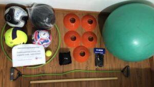 Curso de Educação Física da PUCPR distribui kits para estudantes; distribuição de kits com materiais de aulas práticas; curso de Educação Física da PUCPR; educação física da pucpr; curso de educação física