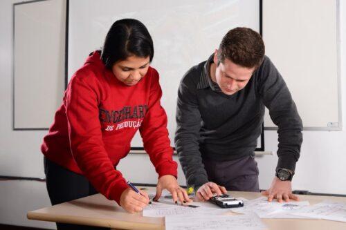 portfólio; como montar um portfólio; estágio; currículo; onde criar um portfólio