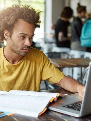 Programa de Iniciação Científica para estudantes do ensino à distância PIC-EAD