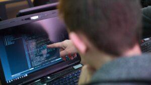 cursos-online-gratuitos-areas-de-tecnologia-pucpr