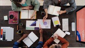 pucpr-doutoranda-marketing-digital-escola-negocios-tecnologia